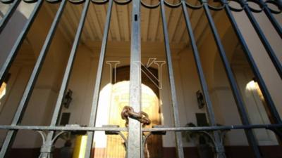 Gobierno no cede ante Iglesia: misas seguirán con límite de 20 personas