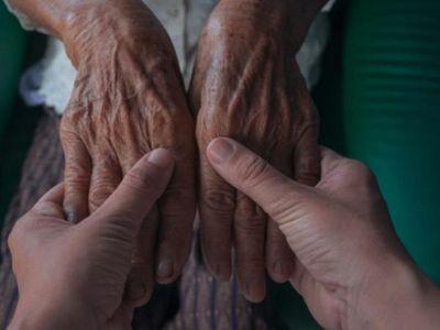 Sensibilizan hacia la población adulta mayor