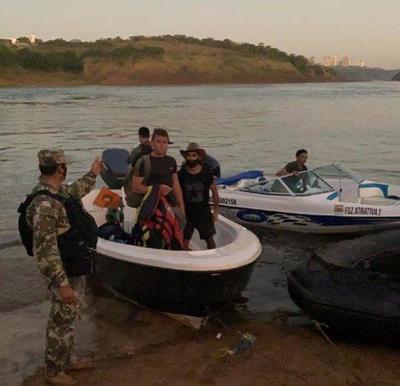 Detienen a tres hombres tras intentar ingresar ilegalmente al país – Prensa 5
