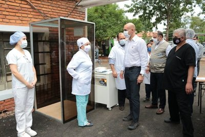 Autoridades de Paraguarí desprestigian trabajo de doctores, denuncian · Radio Monumental 1080 AM