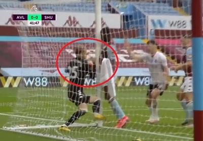 Arquero entró al arco con balón incluido, pero no fue gol