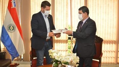 Vicepresidente entregó proyecto que reforma la carrera civil en el sector público en diputados