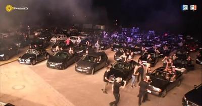 Autocine de Alemania vibró su primer show de heavy metal con coches negros