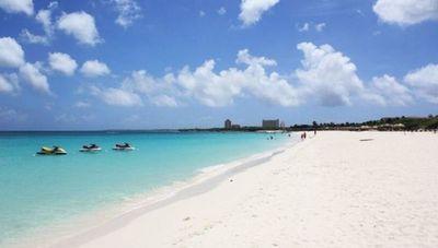 """Aruba """"la isla feliz"""" del Caribe abre sus fronteras para el turismo en fases"""