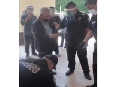 México: Policías compran toda la mercancía de un abuelito para que no se exponga al Covid