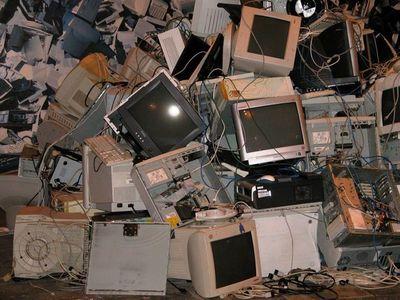 Desmantelar basura electrónica pone en riesgo a la salud