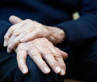 Abuelito engañado por su nieto logró recuperar su vivienda