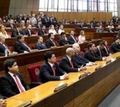 Senado acepta veto de ley que despenaliza declaraciones juradas falsas