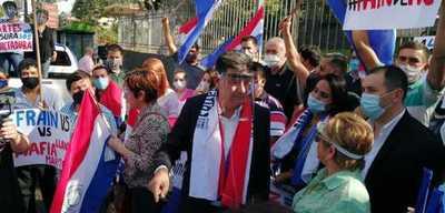 """Efraín Alegre: """"La Fiscalía está al servicio de la mafia"""""""