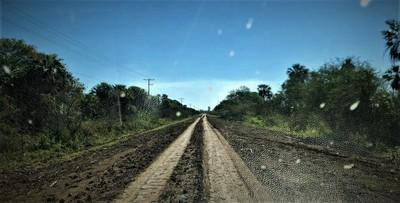 En General Bruguez siguen aguardando la construcción de una ruta de todo tiempo