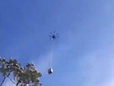 Con drones hacen envíos hacia el otro lado del río