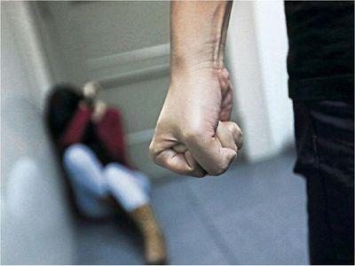 Policía indaga feminicidio en Ñemby y captura al principal sospechoso