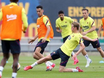 El Barça confirma que De Jong sufre una lesión en el sóleo