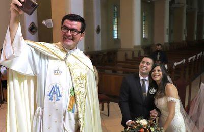 Primera boda covid-19 por religioso fue en Luque