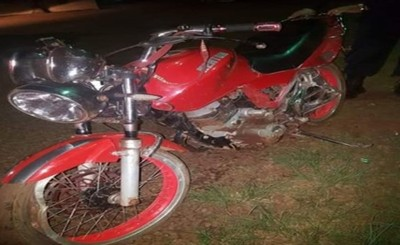 Cayó de su motocicleta, no resistió a las lesiones y murió