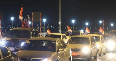 Hartazgo ciudadano se reflejó en masiva caravana