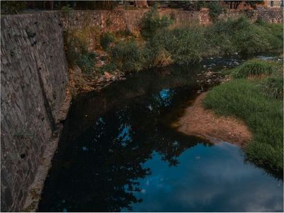 Solo   en este mes   extrajeron  14.000 kilos de basura del arroyo Mburicaó