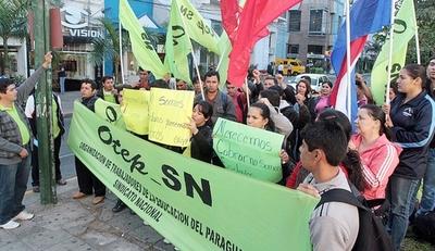 Docentes piden reunión con Hacienda y MEC para incluir aumento salarial