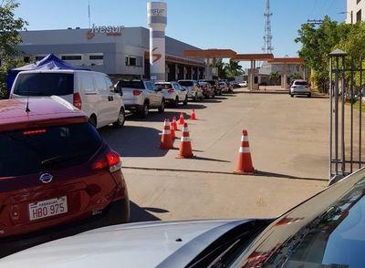 Largas filas para hacer  la ITV en Asunción
