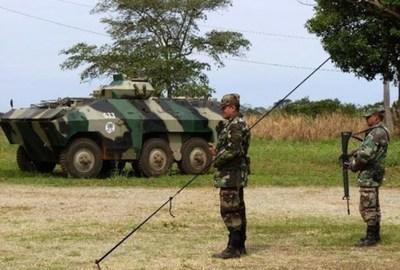 Irresponsabilidad de 7 militares pone en riesgo a la ciudad de Ayolas y a la EBY