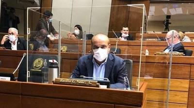 """Bachi Núñez: """"Mientras el exintendente de Asunción está en su casa escuchando a los Beatles, dos diputados colorados están presos"""""""
