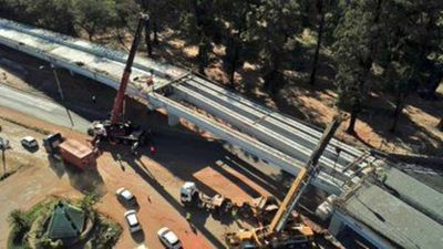 Culminan montaje de vigas del viaducto del Botánico
