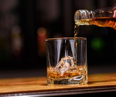 Reducen impuestos a bebidas alcohólicas, electrónica y celulares para reactivar comercio fronterizo