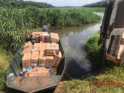 Tras persecución por aire y agua decomisan lancha con cigarrillos en el LAGO de ITAIPU