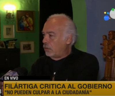 Doctor Anibal Filártiga: ''Roban la plata pública de manera descarada''