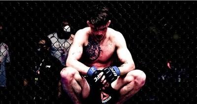 |VIDEO| Polémica en la UFC: un luchador le suplicó a su entrenador que detuviera la pelea y él se negó