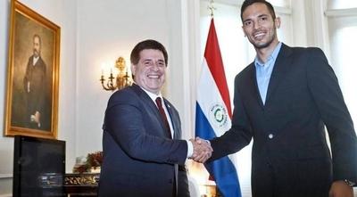 """HOY / Roque, ¿con miras a la Presidencia?: """"Nunca dije no a patear un penal"""""""