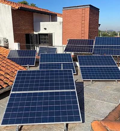 Luz solar, energía renovable: una apuesta por la economía sostenible