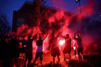 El Liverpool se corona campeón de la liga inglesa por primera vez en 30 años