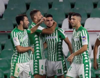 Betis se impone ante un urgido Espanyol