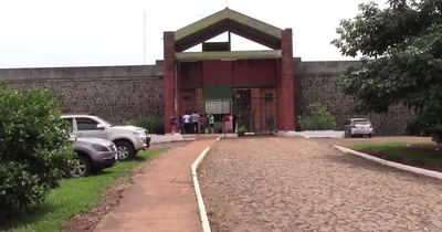 Aíslan a dos funcionarios del penal de Itapúa por contacto con infectado
