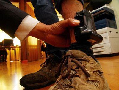 Ejecutivo promulga ley que incorpora dispositivos electrónicos para seguimiento de agresores