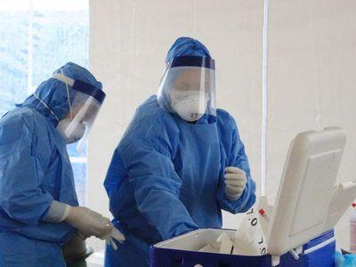 EEUU rompe su récord diario de contagios con 45.330 y roza los 2,5 millones