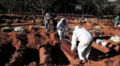 Brasil bordea las 56.000 muertes por COVID-19 a cuatro meses del primer caso