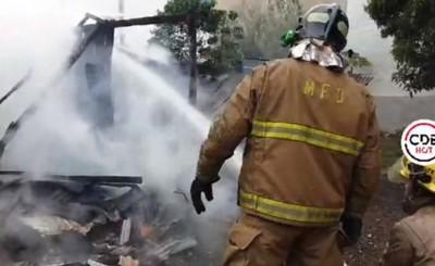 Inquilinato arde en llamas tras corto circuito