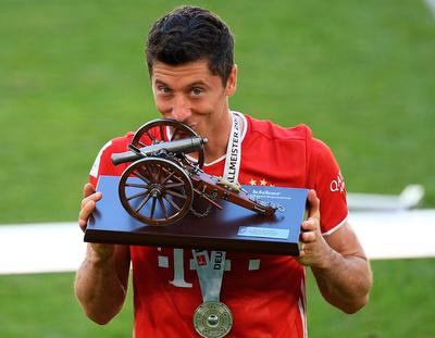 Lewandowski acapara los premios individuales en la Bundesliga