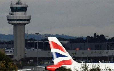 Reino Unido eliminará cuarentena para viajeros de países seguros