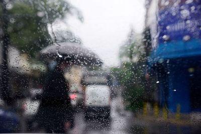 Anuncian lluvias dispersas y tarde cálida