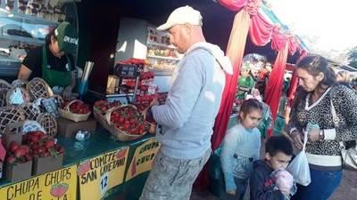 Inauguran la 20 edición de la Expo Frutilla de Estanzuela, en Itauguá • Luque Noticias