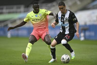 City elimina al Newcastle de Almirón