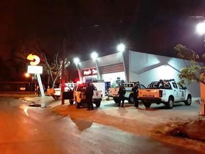 Encapuchados asaltaron local de Beggie en Fernando • Luque Noticias