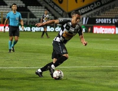 Con Fernando Cardozo, Boavista ganó y escala en la Liga de Portugal