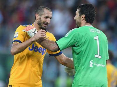 La Juventus renovó con Buffon y Chiellini