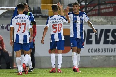 El Oporto vence y encarrila la Liga