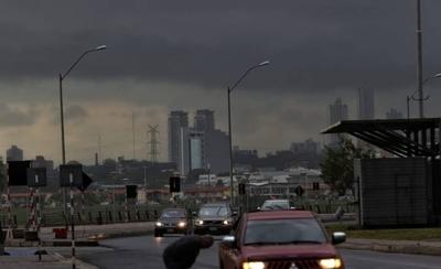 HOY / Cientos de usuarios quedan sin luz tras fuertes ráfagas de viento