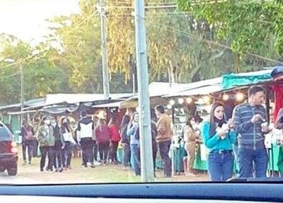 HOY / Aglomeración de personas no fue en la Expo Frutilla de Areguá, aclaran